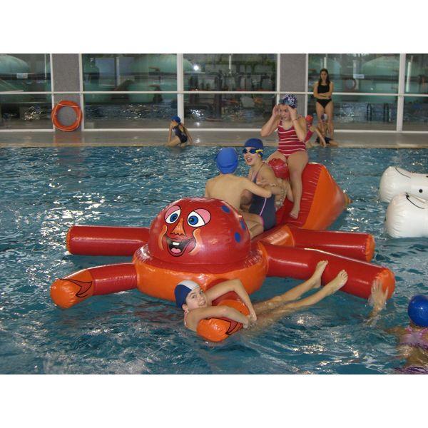 Precaución en la piscina. ¡Al agua patos!