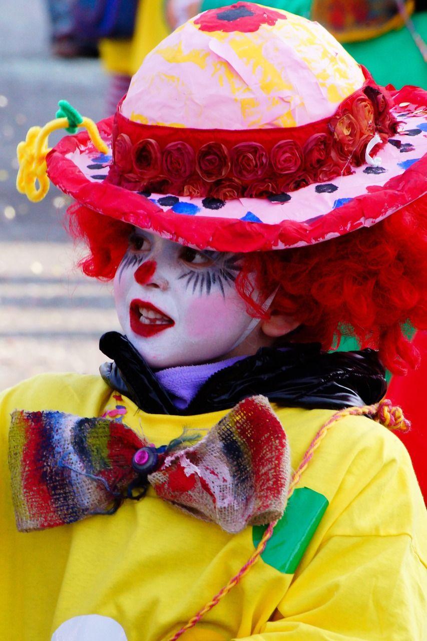 ¡ Carnaval en el cole con hinchables !